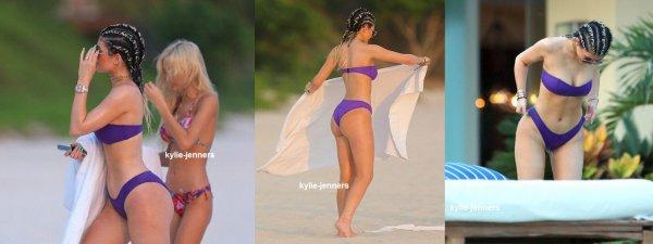 le 12 aout 2015 - la sexy kylie pia et tyga ont été vus à la plage au mexique