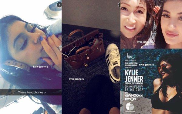 le 15 aout 2015 - kylie à été vu l'aéroport de los angeles