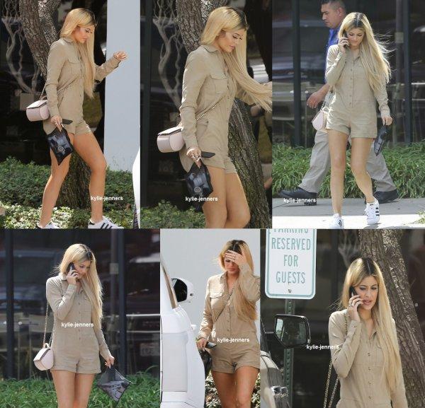 le 2 septembre 2015 - Kylie laissant réunion d'affaires à Oxnard, Californie