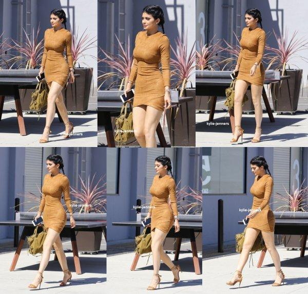 le 29 septembre 2015 - Kylie diriger vers Smashbox Studios à Culver City