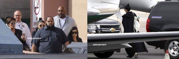 le 15 octobre 2015 - Kylie et Kourtney à l'hôpital de Lamar à Las Vegas.