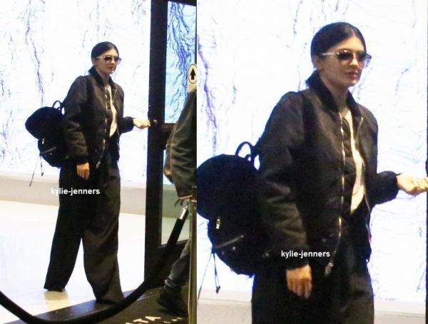 le 12 novembre 2015 - Kylie dans West Hollywood