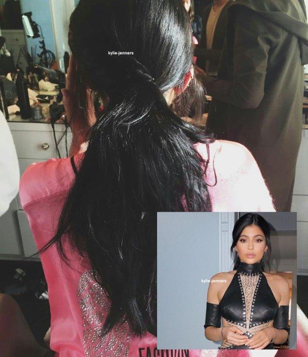le 22 novembre 2015 - la princesse kylie aux American Music Awards à los angeles