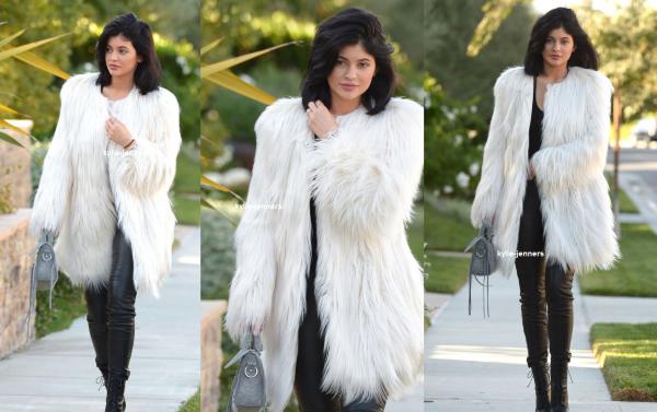 le 5 decembre 2015 - Kylie à gogo x événement complexe