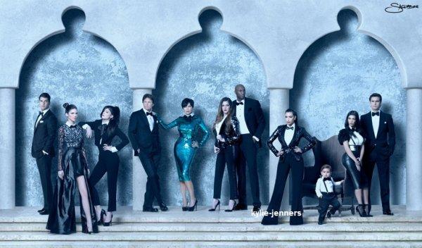 voici des photoshoot de la famille kardashian/jenner pour la carte de noel 2010 a 2013