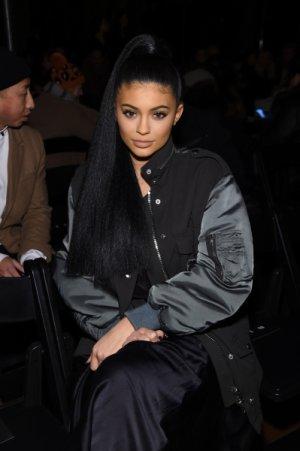 le 17 février 2016 - Kylie s'est rendue au défilé d'Hugo Boss, pour découvrir leur nouvelle collection femme