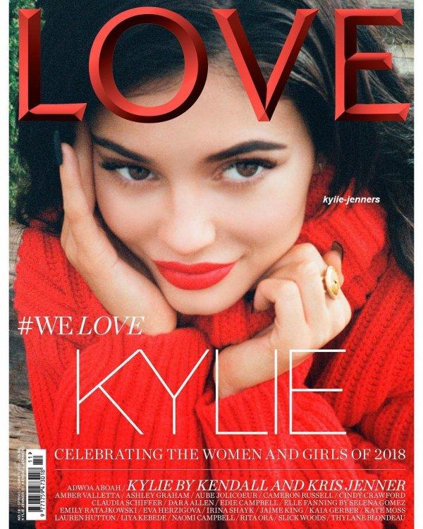 kylie fait la couverture du magazine love