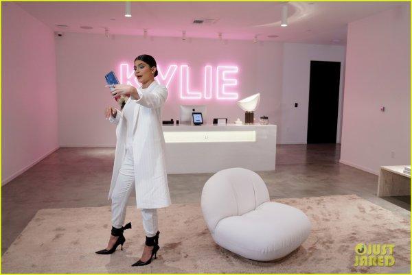 le 12 septembre 2019 : kylie à donner une enterview pour une fan Ellen