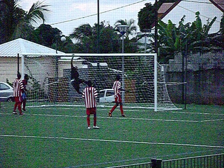 Football *0*