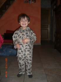 le nouveau pyjama a Tom