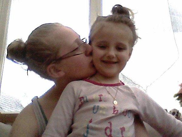 ma petite soeur (ambre)  et  moi