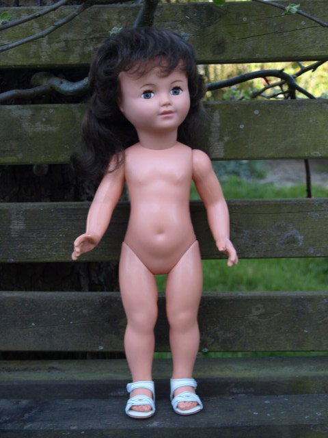 "expo ""j'habille ma poupée """