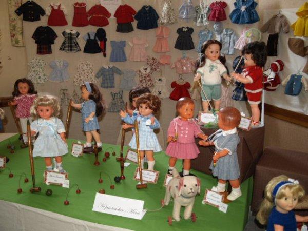 """Exposition  """"J'habille ma poupée """" Modes et Travaux """""""