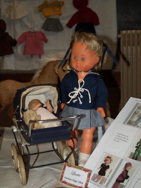"""Exposition  """"J'habille ma poupée """"  Lisettes"""