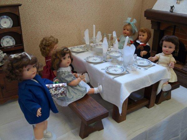 """Exposition """"nos poupées d'enfance """""""