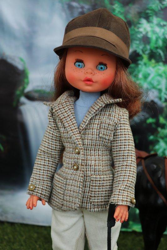 Tina ,tenue équestre