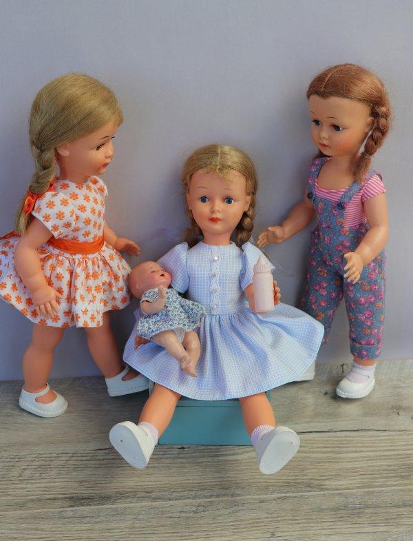 Les Nadettes font du baby sitting