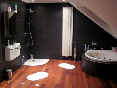 Salle de bain noir et tech afdesign personnalisation - Salle de bain noir et bois ...