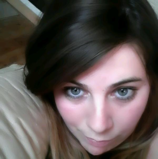 Ta vue mes yeux regarde moi parle de moi mais me critique pas :)