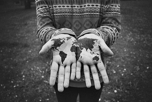 Septième OS_ Décris-moi le monde.