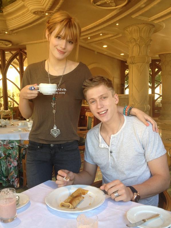 Nouvelles photos twitter de Bella en Afrique du Sud le 06 juin .