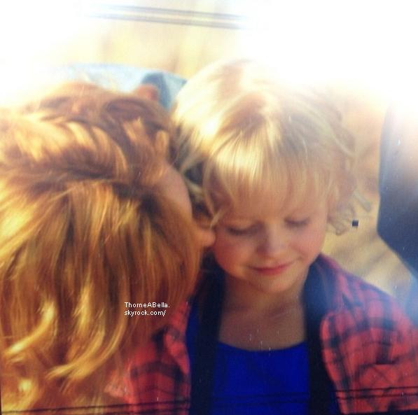 Bella et son frère le 21 juin 2013 en Afrique Du Sud .