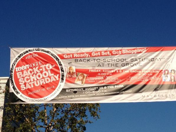 Affiche promotionnelle de Teen Vogue Back To School du 9 août au Grove de L.A avec les Little Mix .