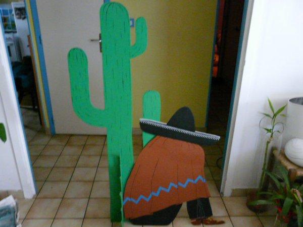 mexicain et cactus