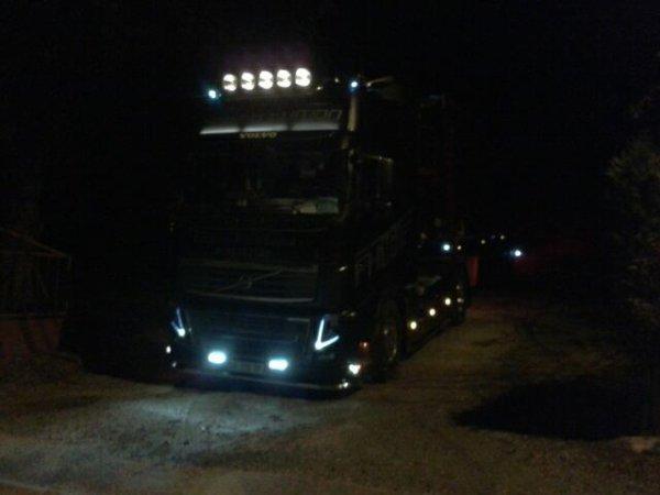 volvo FH16 600 de nuit :)