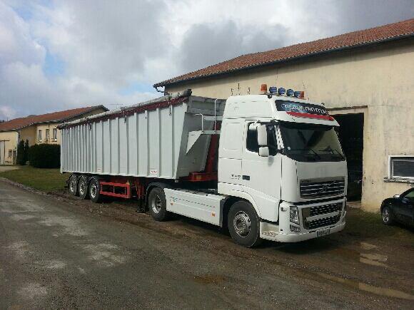 nouvelle benne + tracteur location