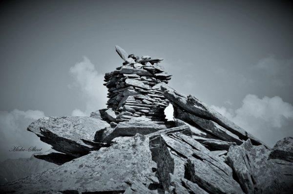 Cairn Sur Chamonix