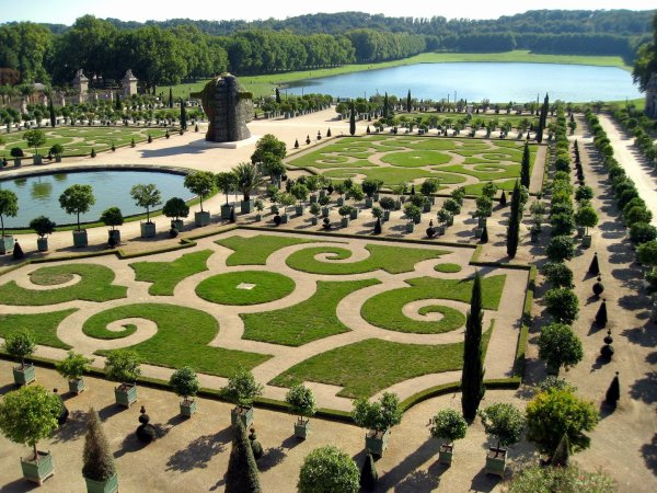 LE JARDIN...2000 HECTARES