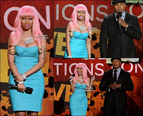 30/11/11: Nicki au concert des nominations des Grammy Awards où elle été nominée dans 3 catégories: Meilleure Nouvelle Artiste, Meilleur Album Rap, et Meilleure Performance Rap avec « Moment 4 Life ».