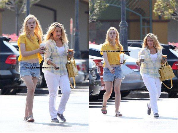 13 Juin : Elle était à Studio City avec sa maman !