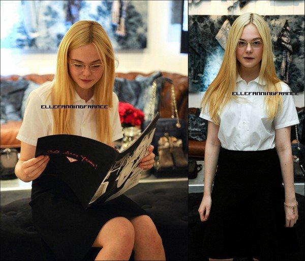 """07 Septembre : Elle était au Studio Portrait de """"Guess"""" à Bell Lighbox avec sa partenaire dans """"Ginger et Rosa"""", Alice Englert !"""