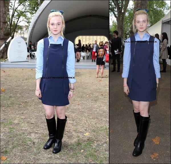 16 Septembre : Elle était au défile de la marque Topshop pendant la Fashion Week de Londres !