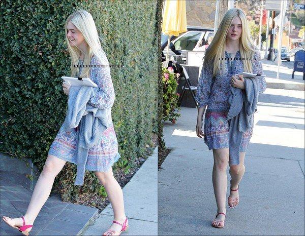 18 Janvier : Elle a été vu dans Beverly Hills avec ce qui pourrait être un script dans les mains + de nouveaux photoshoots pour J. Estina + interview W Magazine !