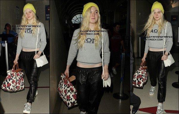 07 Mai : Elle à l'aéroport LAX de Los Angeles en provenance de New York !