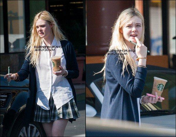 19 Février : Elle s'arrêtant à Starbucks à Studio City !