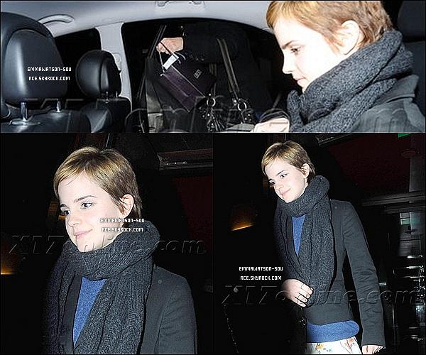 .    23 / 12 / 2010 :   Emma a été aperçue pendant la nuit dans Londres ..