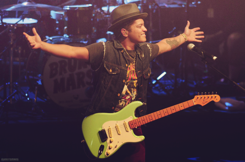 Bruno, come here.