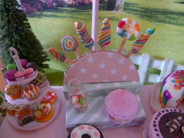 Doll Diorama - Birthday Party chez Ginny
