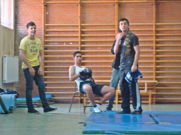 en el gimnasioo ..