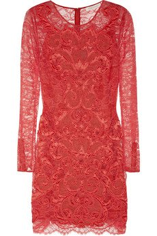 Rih fête le nouvel an / elle porte une robe Matthew Williamson a 1835euros / tu aimes?