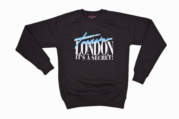 Rih a un match a L.A / elle porte un sweet London it's a secret / tu aimes?