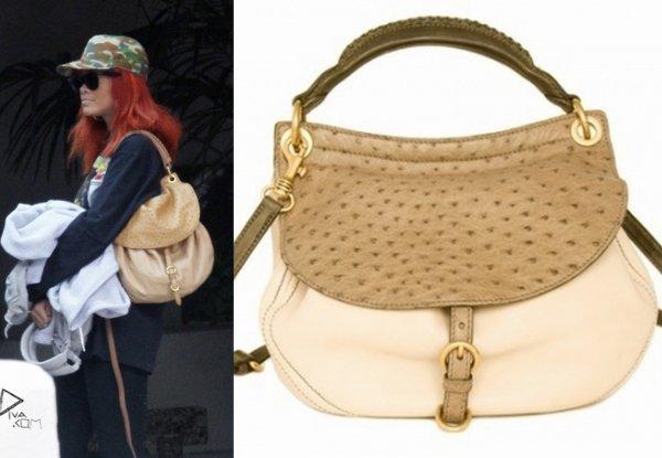 Rih quitte son hotel de L.A / elle porte un sac miu miu / tu aimes?