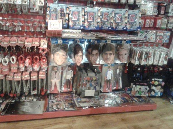 Dans un magasin à Londres ♥♥♥