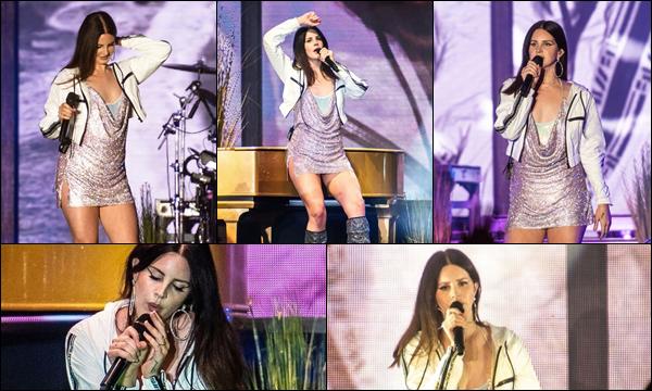 22.03.2019 :Lana Del Rey a donné un concert au Buku Arts et au Music Festival situé à la Nouvelle Orléans  Lana Del Rey était vraiment trop mignonne j'aime beaucoup ses tenues de concert pour moi c'est un énorme top !