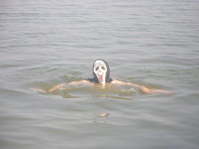 Jason fait le pitre