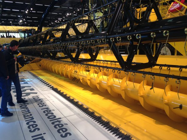 SIMA 2015 Stand New-holland